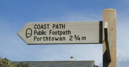 imperial footpath sign